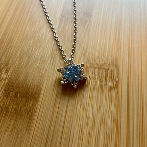 NEW Snowflake Pendant Necklace